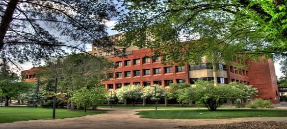 Đại học Alberta- một trong những viện nghiên cứu đại học chuyên sâu hàng đầu của Canada.