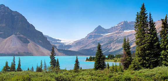 Hồ Athabasca- một trong 3 hồ nước lớn nhất Alberta